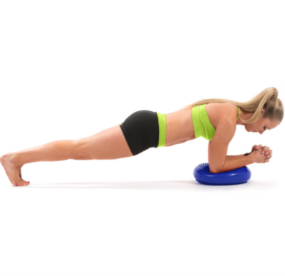 woman doing isobab on blue core balance disc